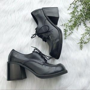 Y2K ellemenno BRIT chunky heels NIB 9